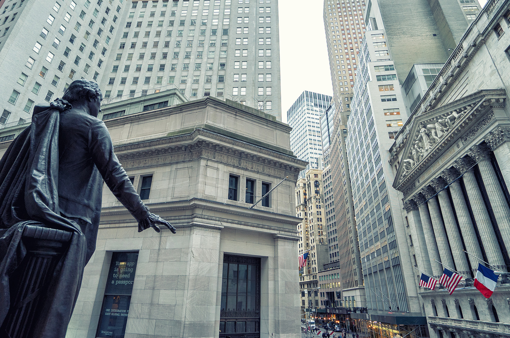 Manulife Financial Corp (NYSE:MFC) Upgraded to