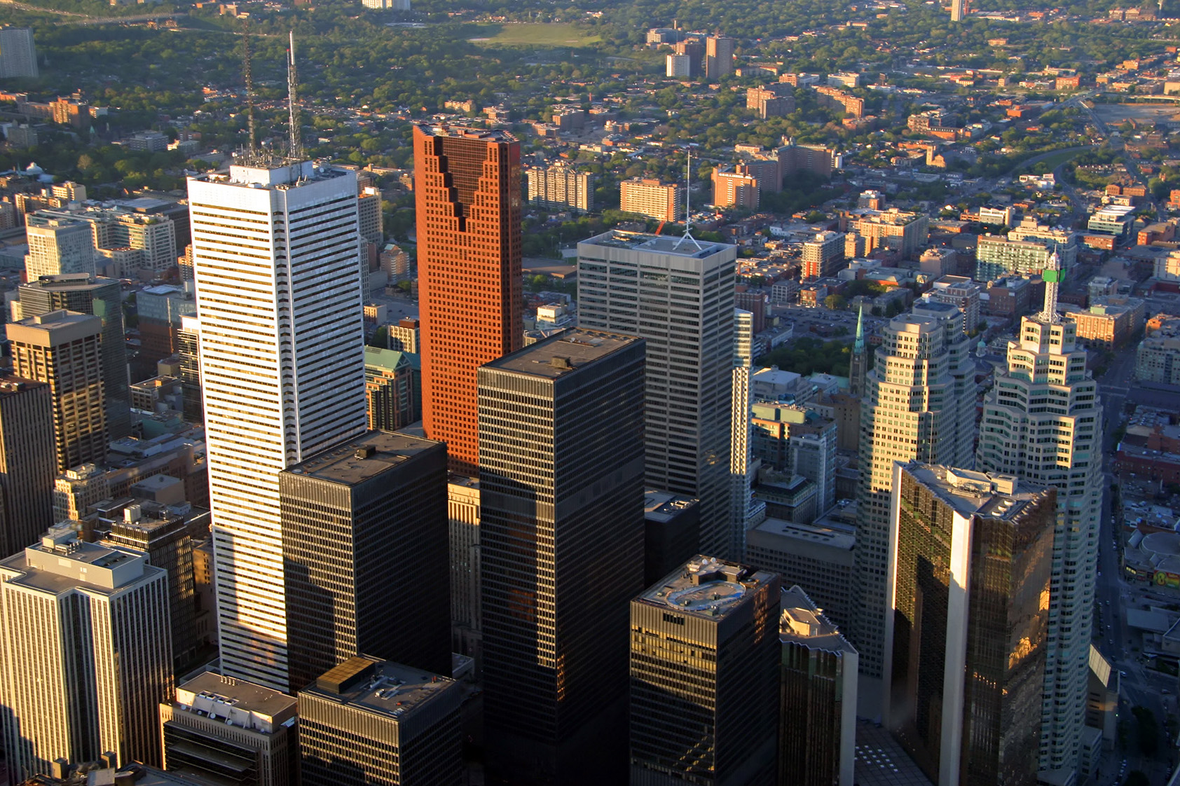 Canadian Banks - Which Big 5 Bank Stock is a Better Buy?