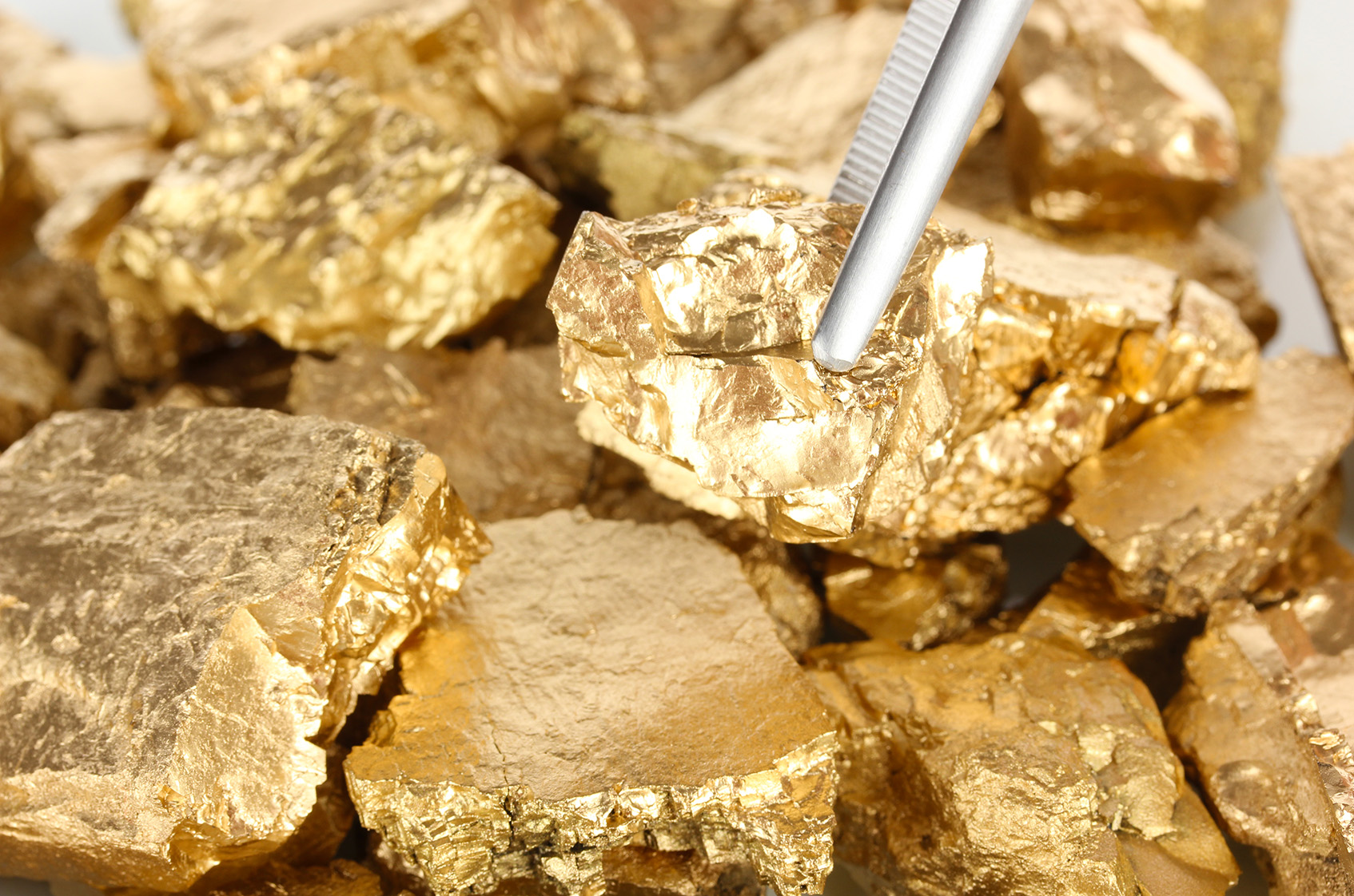 4 Gold Mining Stocks Trading at a Discount to 2019 Cash Flow